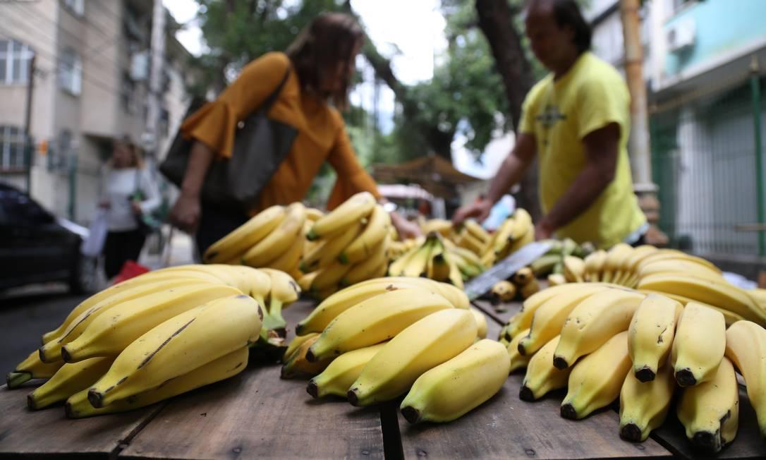 Casca da banana pode ser usada em doces Foto: Pedro Teixeira / Agência O Globo