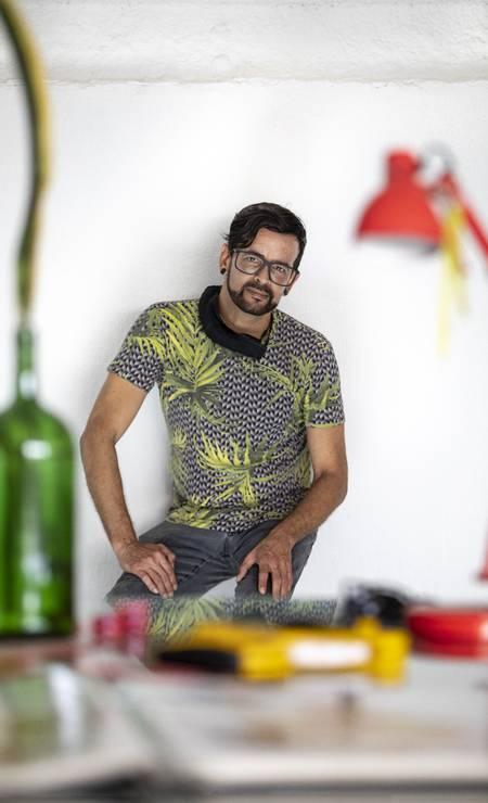 Arquiteto e projetista das alegorias da Viradouro, Monclair Filho Foto: Ana Branco / Agência O Globo