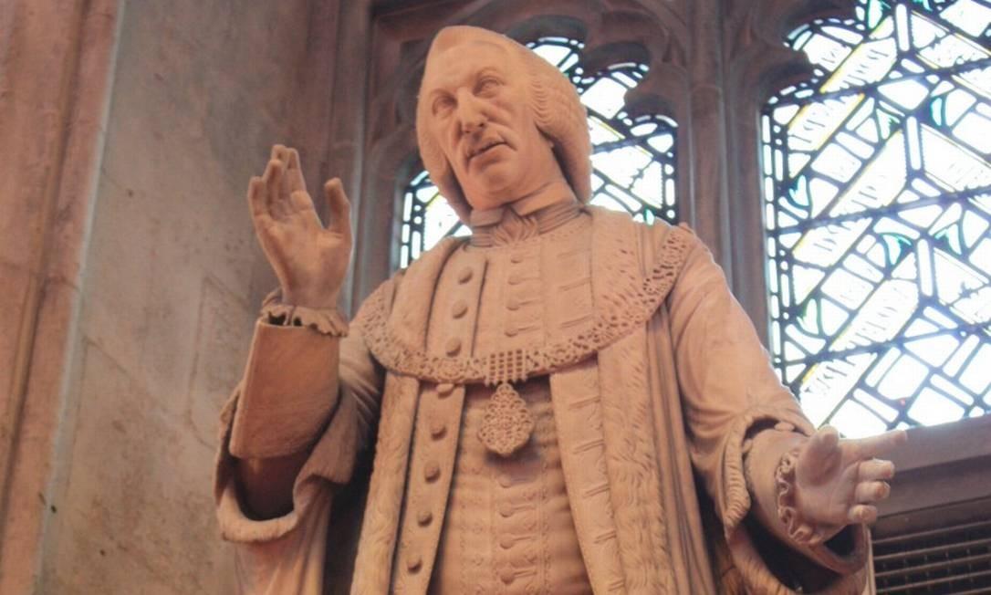 Estátua do mercador de escravos William Beckford sera removido de centro financeiro de Londres Foto: Stephen Dickson / Wikimedia