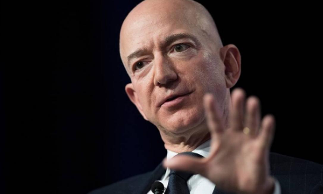 Jeff Bezos, fundador da Amazon, está na lista dos 10 maiores bilionários do mundo Foto: JIM WATSON / AFP
