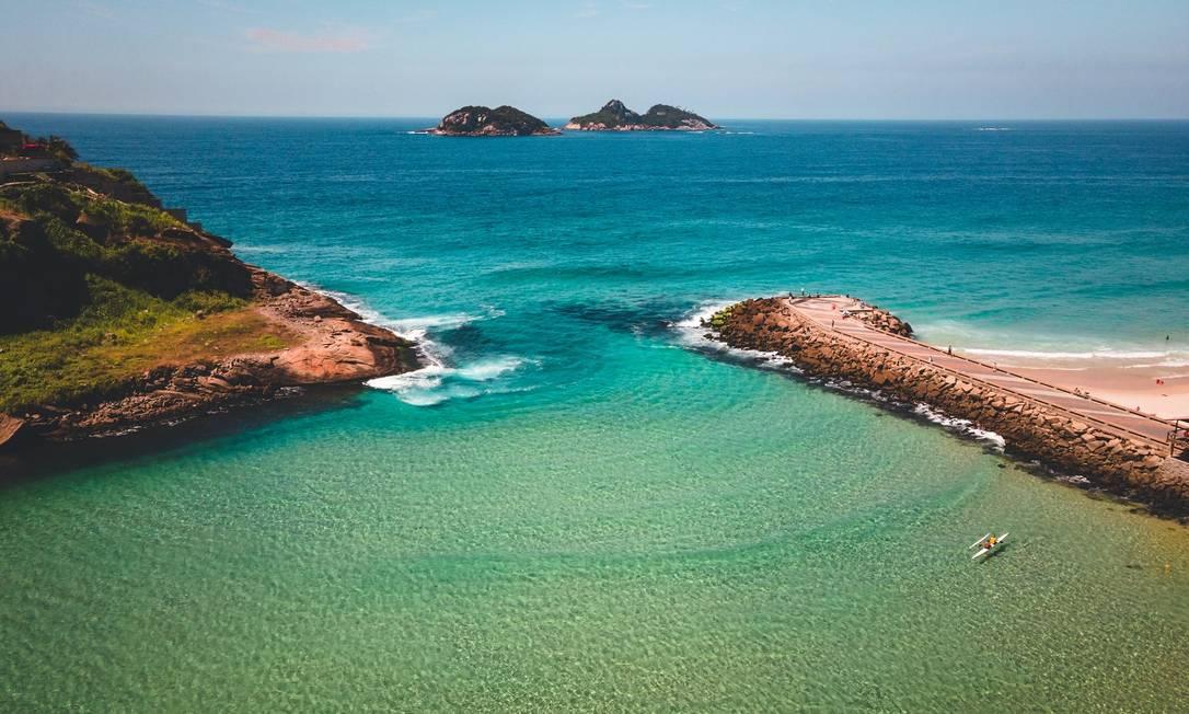 Água cristalina na Praia dos Amores Foto: João Ricardo Januzzi / Divulgação