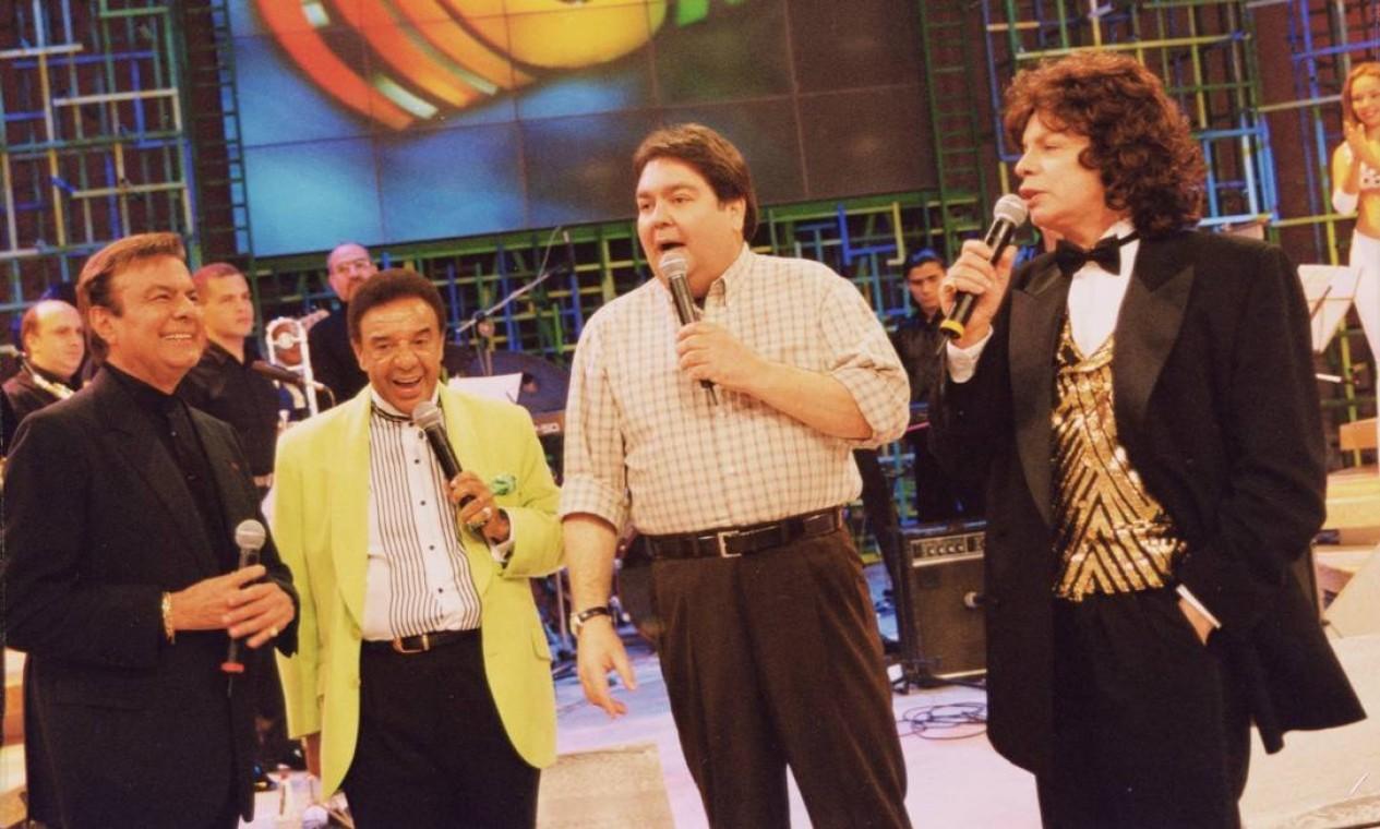 Em 1999, palco recebeu Agnaldo Timóteo, Agnaldo Rayol e Cauby Peixoto juntos. Além de projetar nomes nacionais da música, programa já recebeu mais de cem artistas internacionais Foto: Divulgação