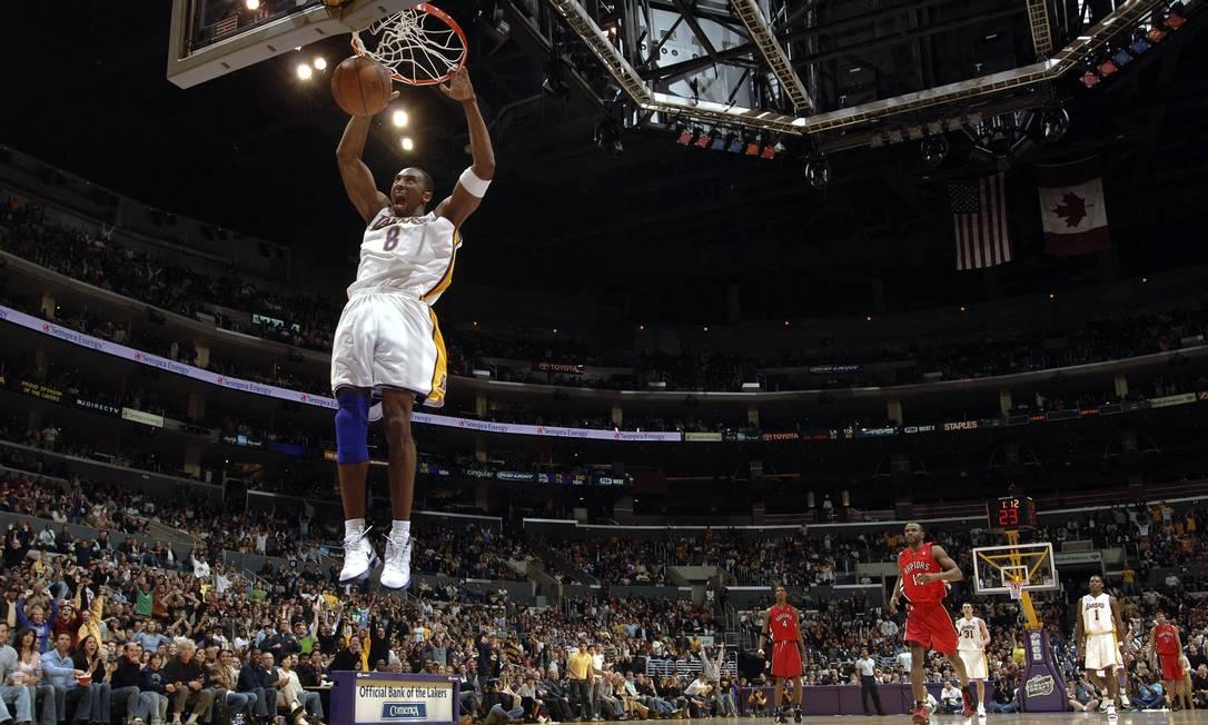 Kobe Bryant marcou 81 pontos sobre o Toronto Raptors em 2006 Foto: Noah Graham/NBAE/AFP