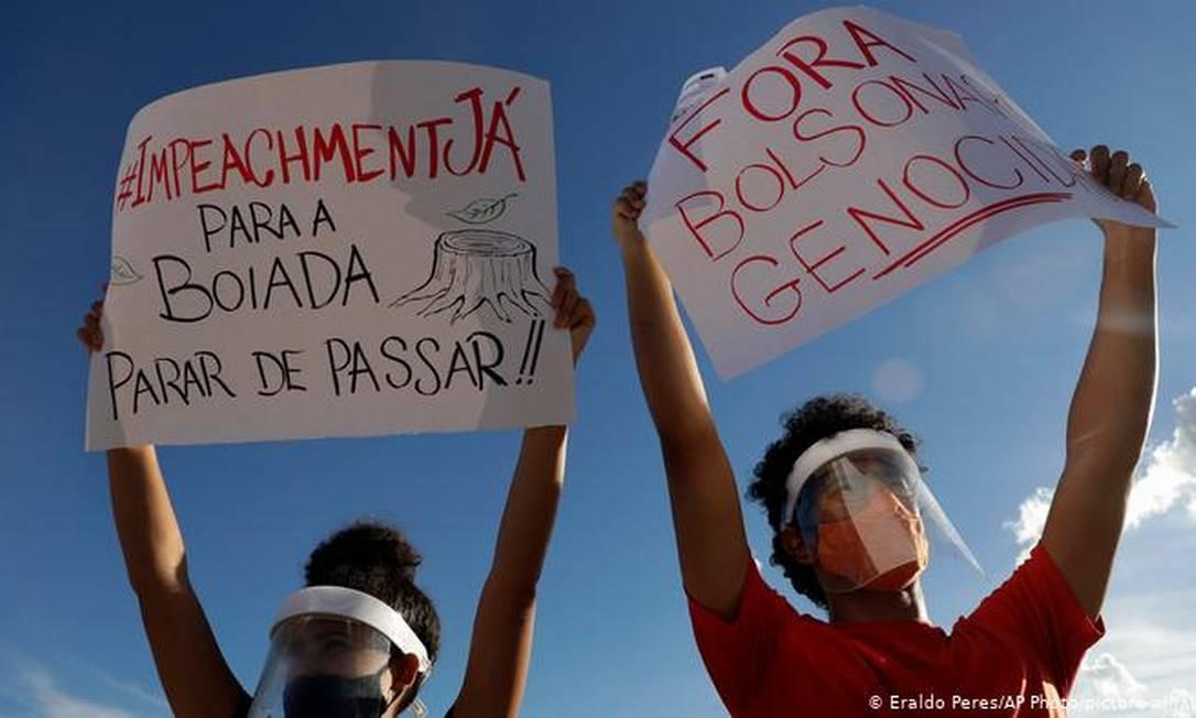 O Vem Pra Rua e o Movimento Brasil Livre lideraram carretas para pressionar a Câmara dos Deputados a abrir processo de impeachment contra Bolsonaro Foto: Eraldo Peres/AP Photo