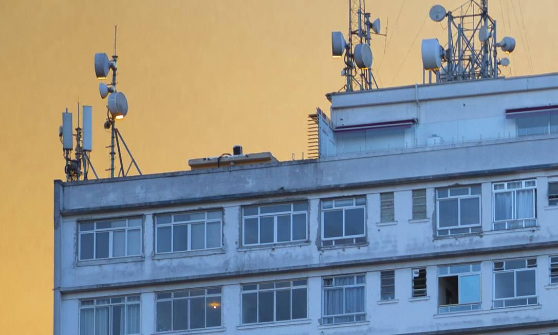 Antenas em São Paulo. Anatel se reúne para votar edital do leilão do 5G Foto: Edilson Dantas / Agência O Globo