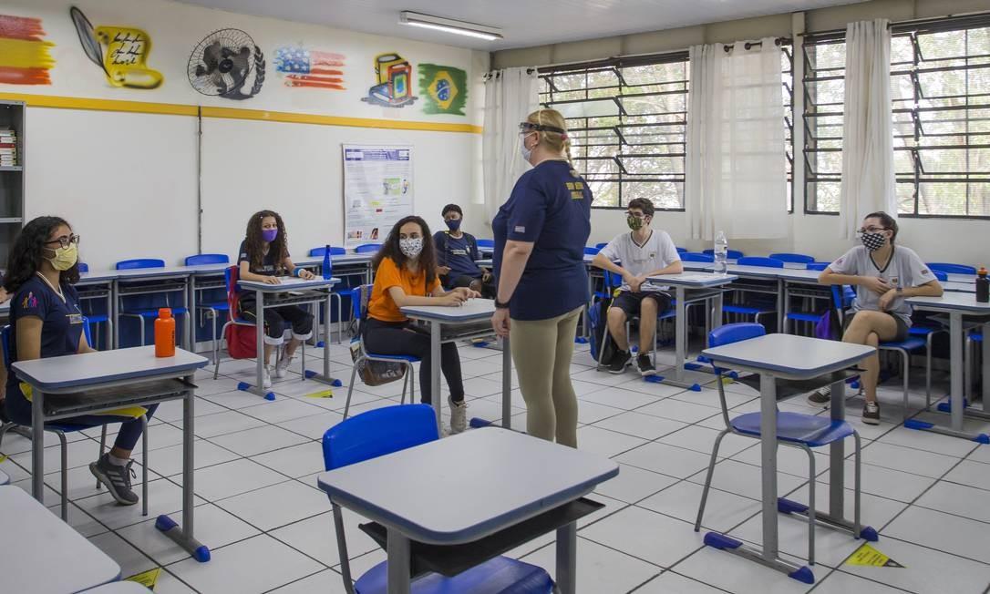 Tribunal derruba liminar e permite volta às aulas ...