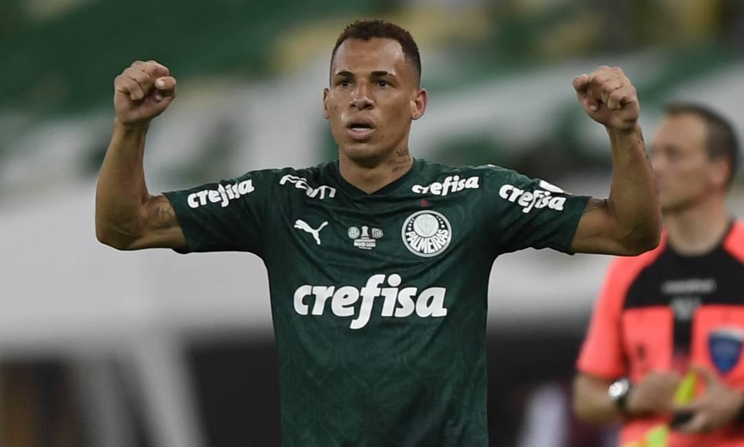 Regulamento da Fifa sobre transferências tira Breno do Mundial Foto: MAURO PIMENTEL / AFP