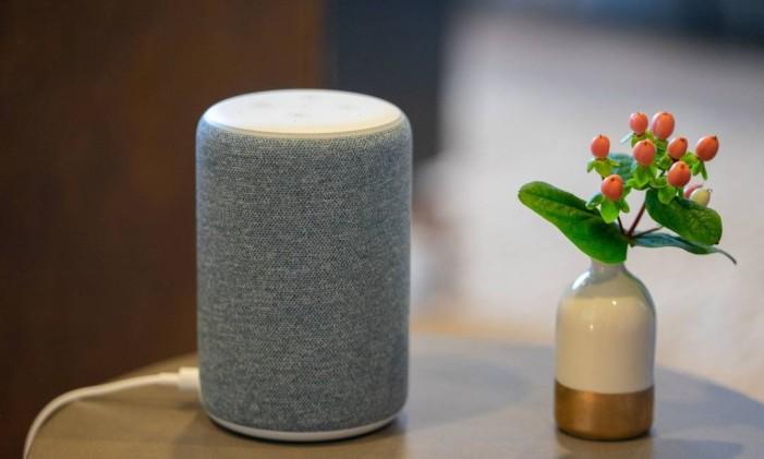 A Amazon foi pioneira em criar a Alexa, serviço de voz baseado na nuvem. Está presente em diversos aparelhos, como o Echo e TVS e eletrodomésticos de diversas empresas Foto: Chloe Collyer / Bloomberg