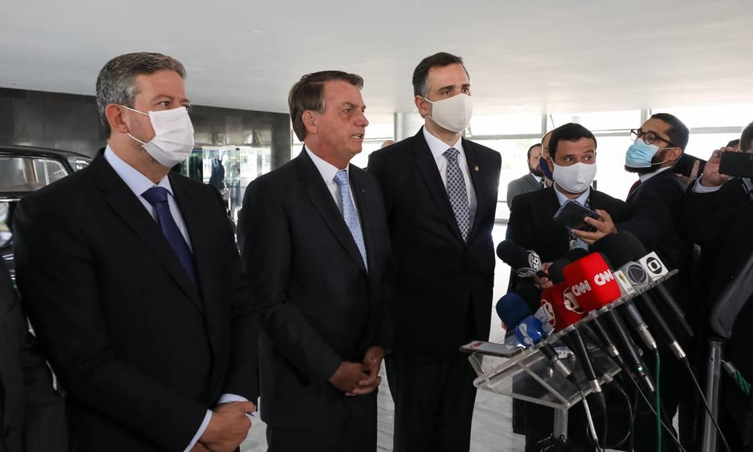 O presidente Jair Bolsonaro e os presidentes da Câmara, Arthur Lira, e do Senado, Rodrigo Pacheco Foto: Marcos Correa / Presidência