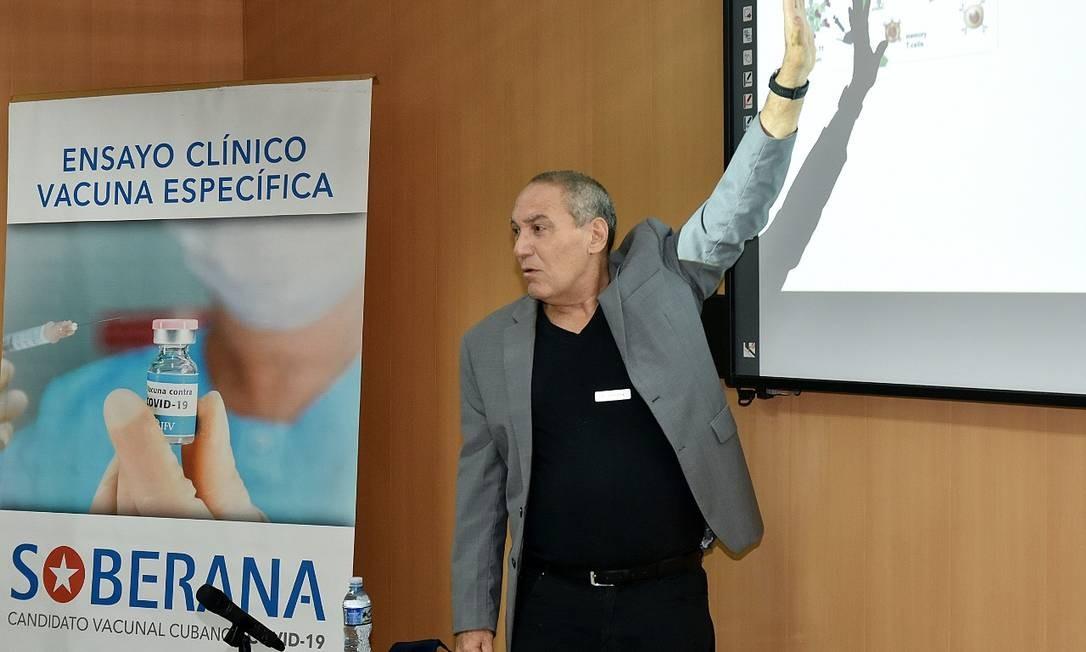 Vicente Vérez, diretor do Instituto Finlay de Havana, diz que a meta é vacinar toda a população cubana em 2021 Foto: Reprodução