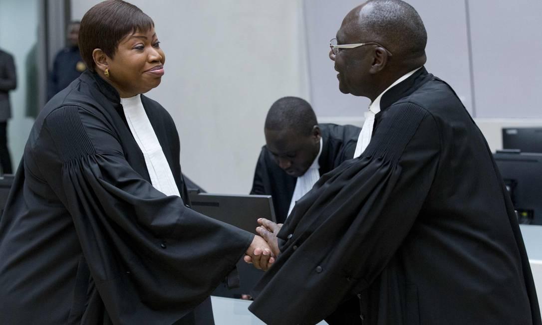 Promotora pública do Tribunal Penal Internacional, Fatou Bensouda, durante julgamento em dezembro de 2016 Foto: PETER DEJONG / AFP