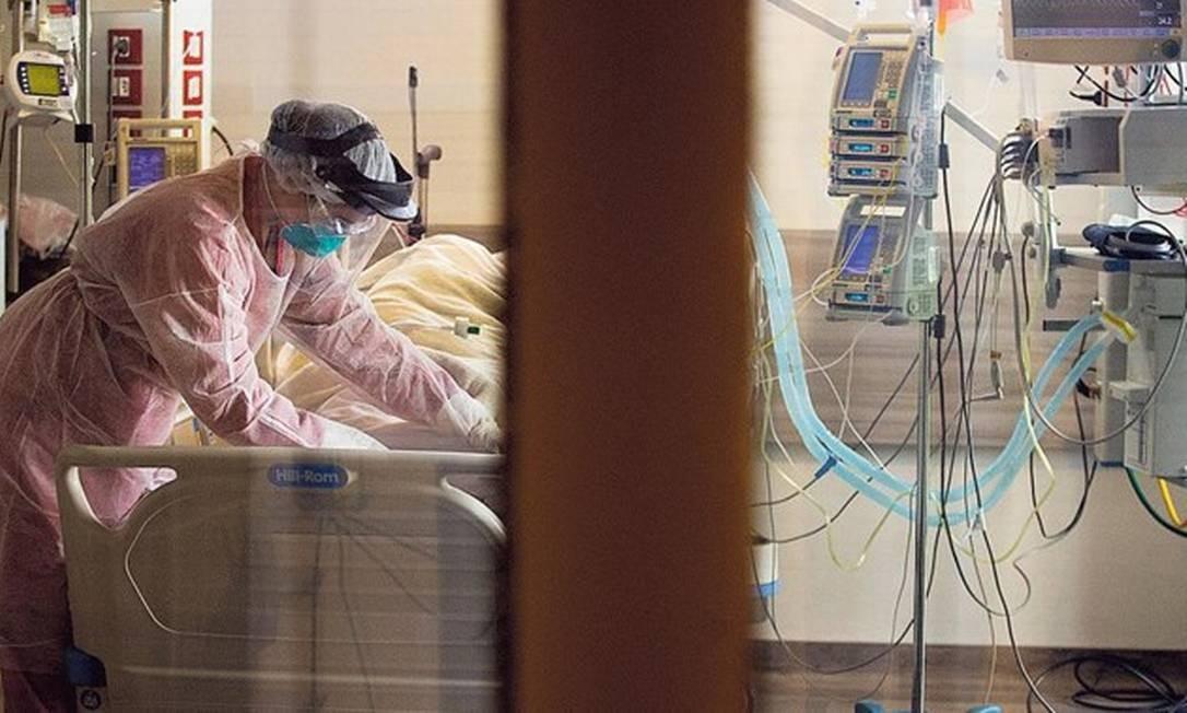 Ala para pacientes com Covid-19 no Hospital Copa Star, em Copacabana: ao longo da pandemia, médicos foram aprendendo quais os tratamentos mais eficazes contra novo coronavírus Foto: Marcia Foletto