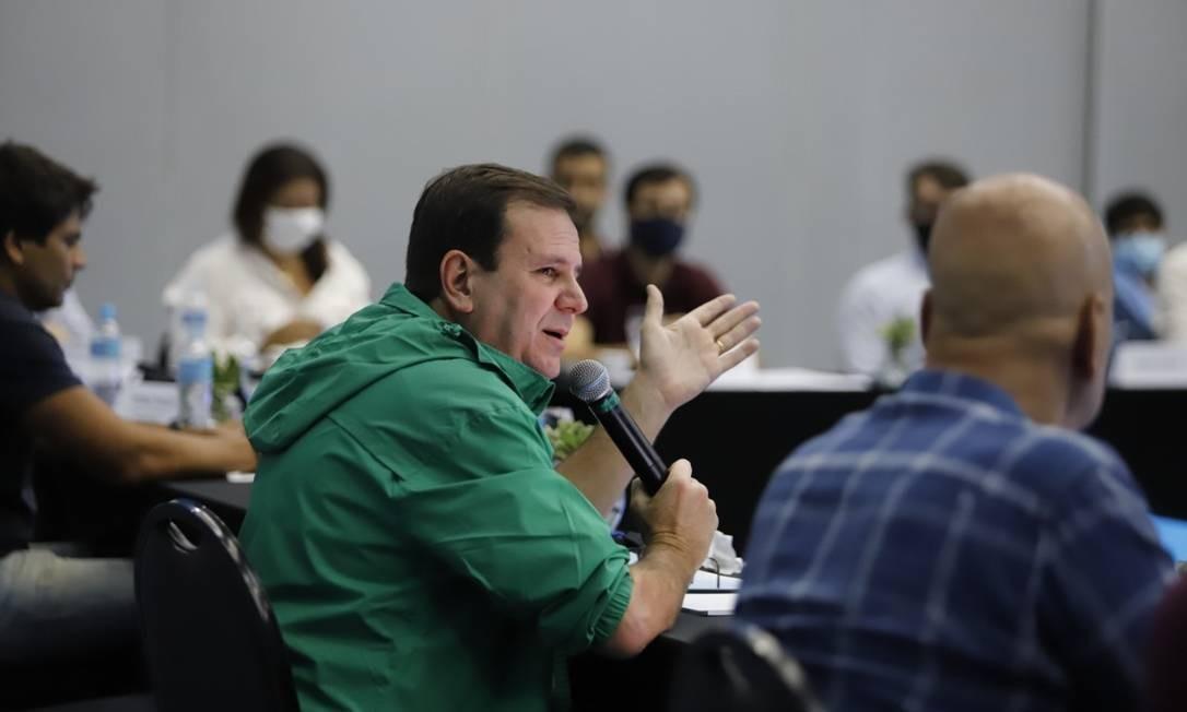 Eduardo Paes se reúne com secretários no Centro de Convenções Sulamérica, no Centro, neste sábado, 6. Foto: Beth Santos / Prefeitura do Rio
