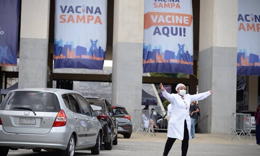 Estádio do Pacaembu recebe idosos para vacinação contra Covid-19 Foto: Marco Ankosqui/O Globo