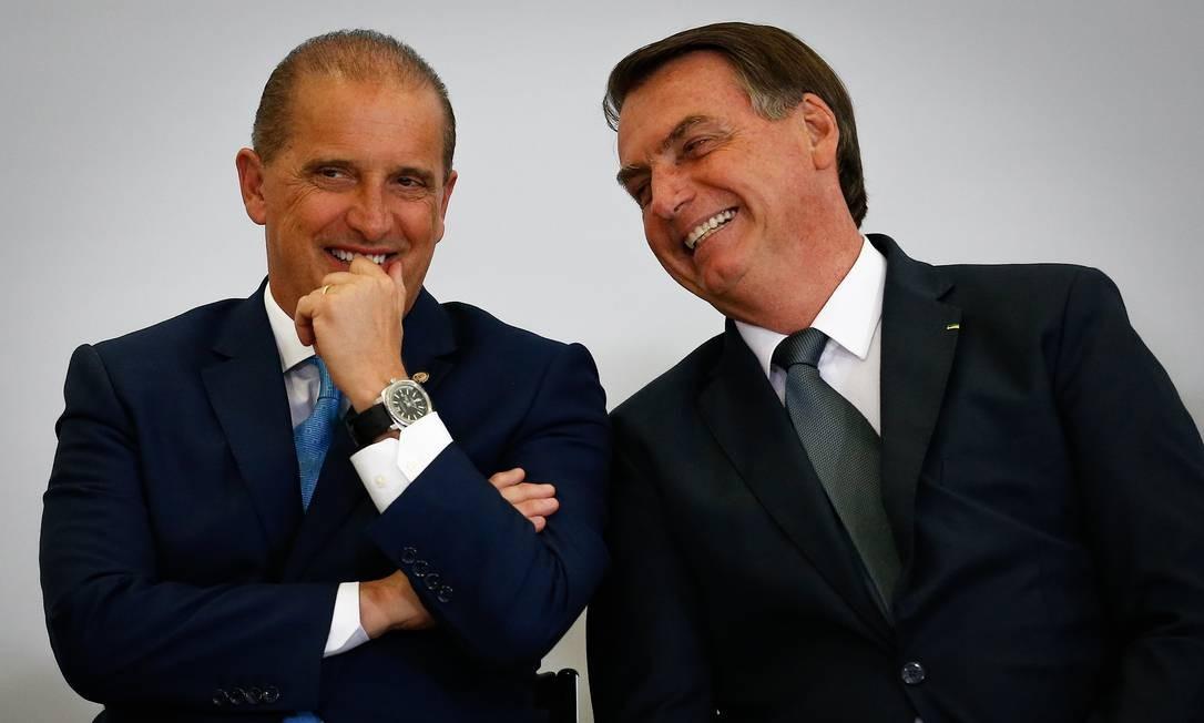 O oresidente Jair Bolsonaro e o ministro Onyx Lorenzoni participa de cerimônia no Palácio do Planalto Foto: Pablo Jacob/Agência O Globo/19-02-2020