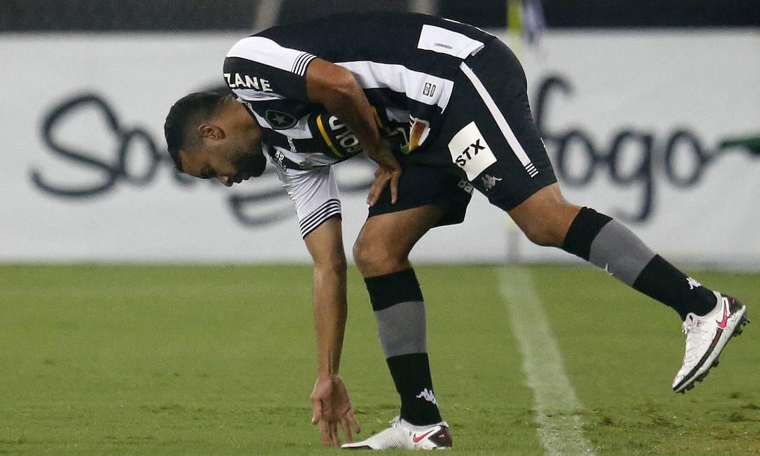 Caio Alexandre é um dos destaques em meio à crise Foto: Vitor Silva/Botafogo