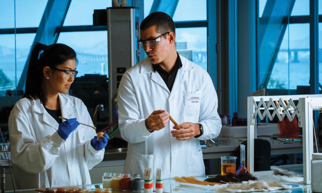 """A marca prioriza a chamada """"ciência verde"""", com ativos orgânicos e naturais e 100% dos materiais de origem vegetal, sem aditivos químicos Foto: © BENOIT DECOUT / L'ORÉAL RESEARCH & INNOVATION"""