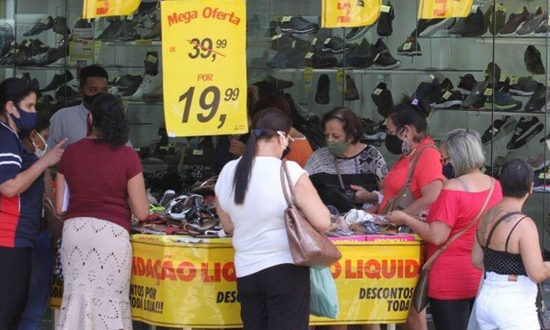 O objetivo do projeto de lei é que o consumidor perceba de forma clara e precisa o percentual da oferta Foto: Agência O Globo