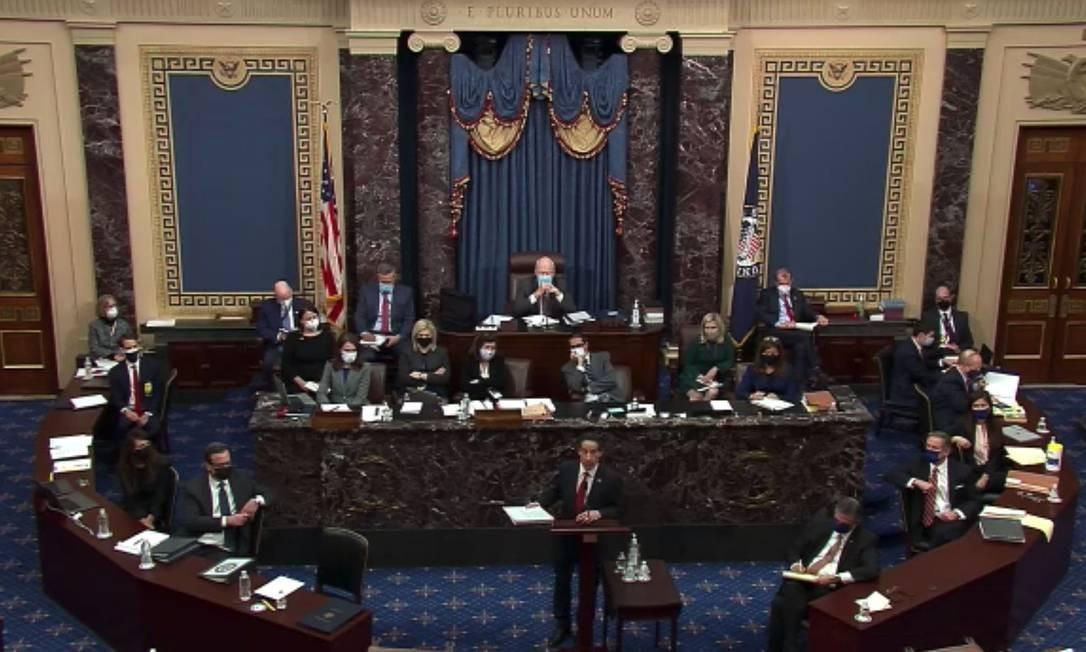 Deputado democrata Jamie Raskin faz seus primeiros argumentos de acusação no julgamento do impeachment de Donald Trump no Senado dos EUA Foto: Bloomberg