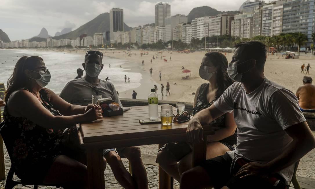 Família Castro, de Santa Catarina: visitantes querem curtir praias e atrações turísticas. Foto: Gabriel de Paiva / Agência O Globo