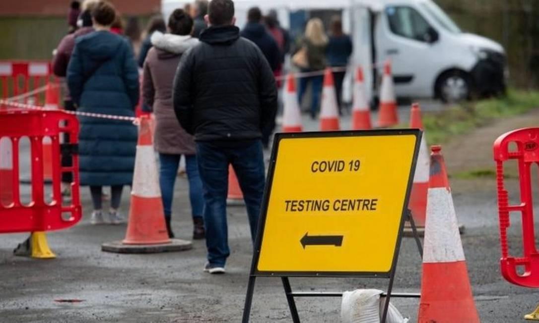 Reino Unido foi um dos países afetados por variantes que parecem ser mais contagiosas - e portanto perigosas - do coronavírus Foto: PA Media