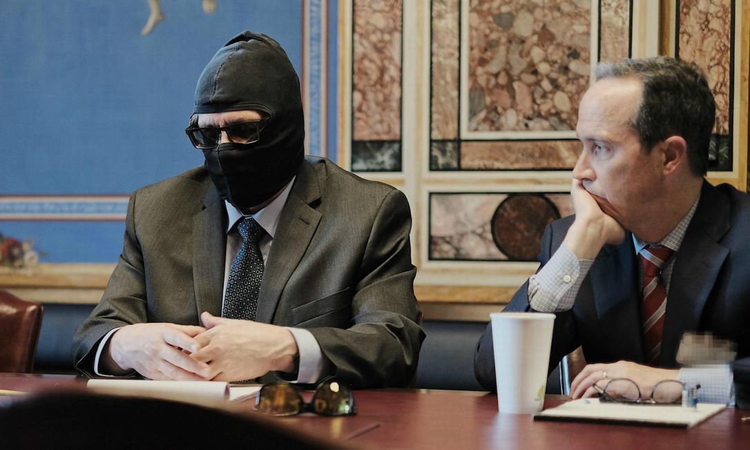 Grigory Rodchenkov (à esq.) em reunião com o governo dos Estados Unidos Foto: Divulgação/Helsinque Commission
