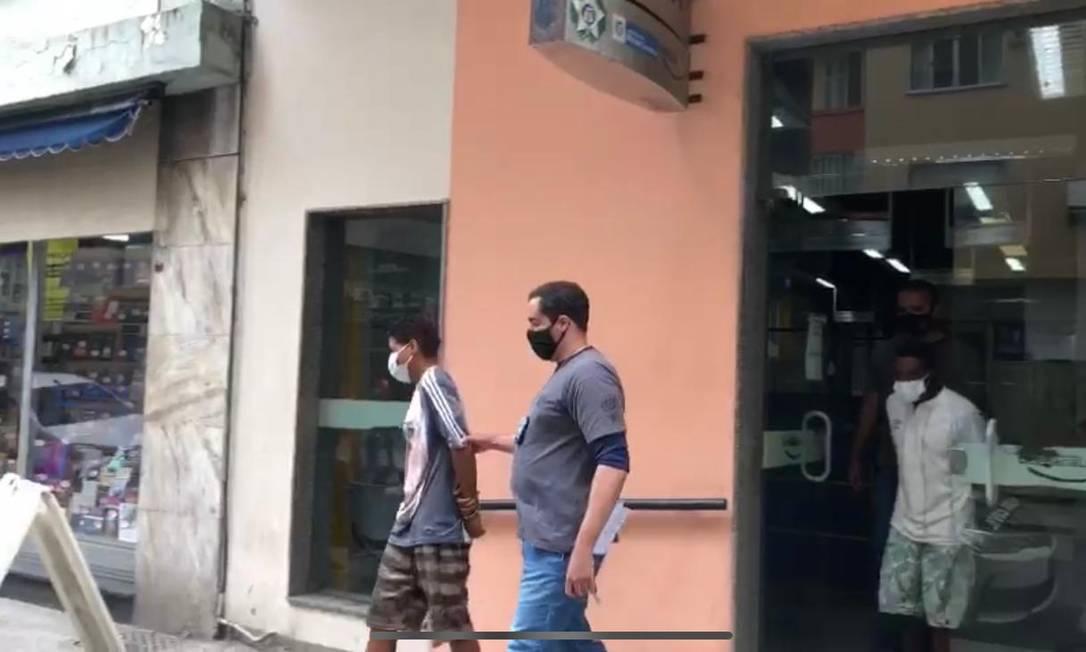 Maicon Martins dos Santos e Alexandra Loes Oliveira roubavam vítimas em Copacabana Foto: Reprodução