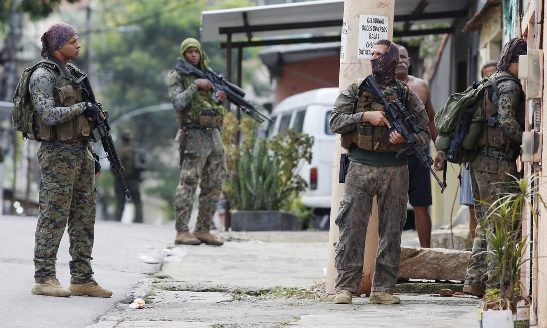 Operação da PM contra atuação de facções criminosas em comunidades da Madureira e bairros vizinhos Foto: FABIANO ROCHA / Agência O Globo