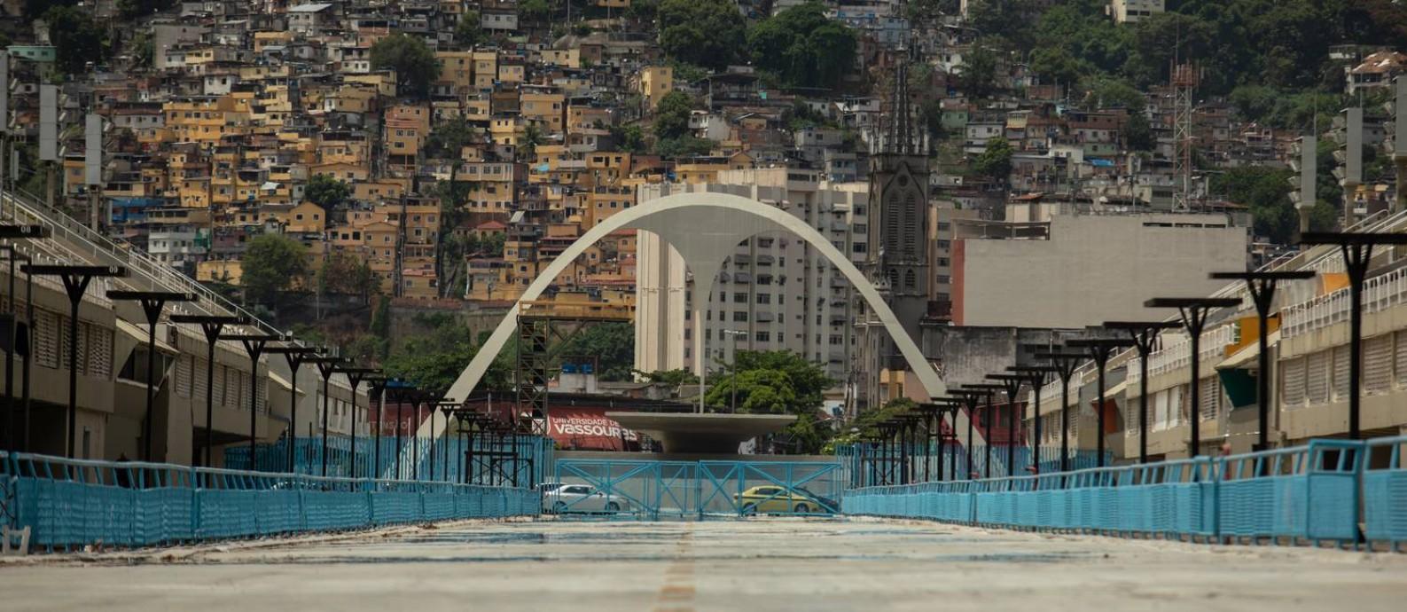 A Praça da Apoteose vazia: com carnaval cancelado, o Rio terá uma perda de R$ 2,6 bi na economia. No país, o prejuízo vai bater R$ 8 bilhões só no turismo Foto: Brenno Carvalho/9-2-2021 / Agência O Globo