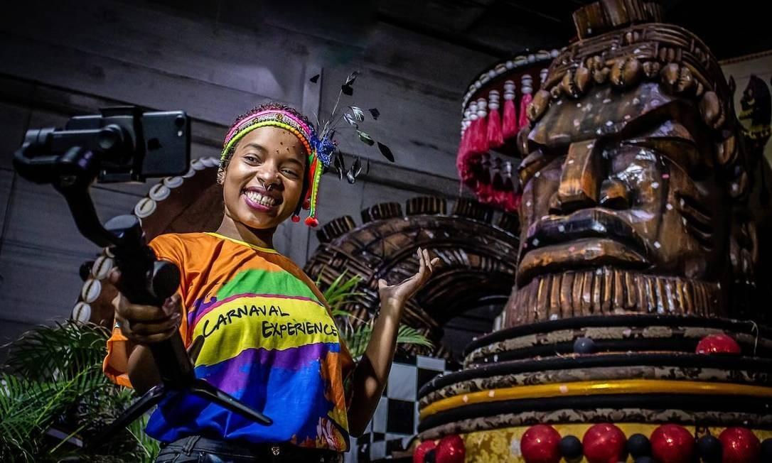 Visita ao barracão e aula de samba digital: Airbnb fecha parceria com escolas do Rio para oferecer experiências on-line de carnaval em sua plataforma Foto: Divulgação