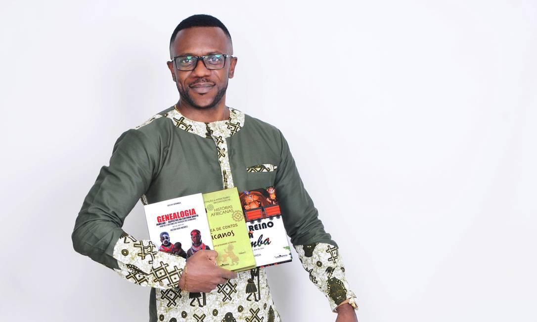 Para o fundador do Literáfrica, João Canda, o Clube de Literatura Africana é uma forma de reconstruir o imaginário sobre o continente Foto: Paulo Sawaya / Divulgação