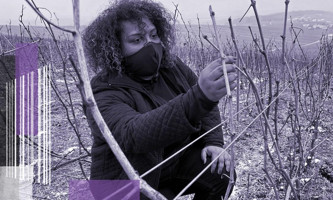 Marie-Ines Romelle, fundadora da Marie Cesaire Champagne, posa em seus vinhedos em Reims, na França Foto: REUTERS/Yiming Woo