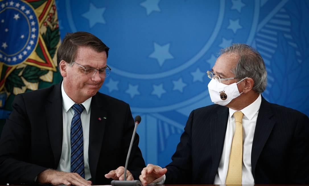 O presidente Jair Bolsonaro e o ministro da Economia, Paulo Guedes, durante pronunciamento no Palácio do Planalto Foto: Pablo Jacob/Agência O Globo/05-02-2021