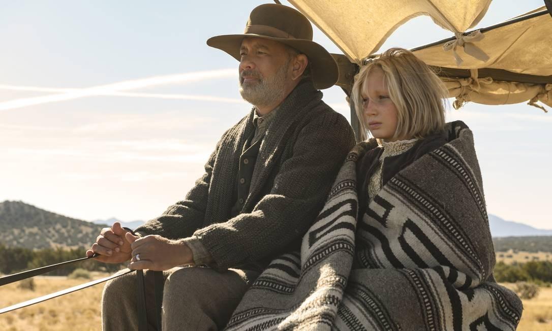 """Tom Hanks e Helena Zengel em """"Relatos do Novo Mundo"""", de Paul Greengrass. Foto: Photo Credit: Bruce W. Talamon/U / Divulgação"""