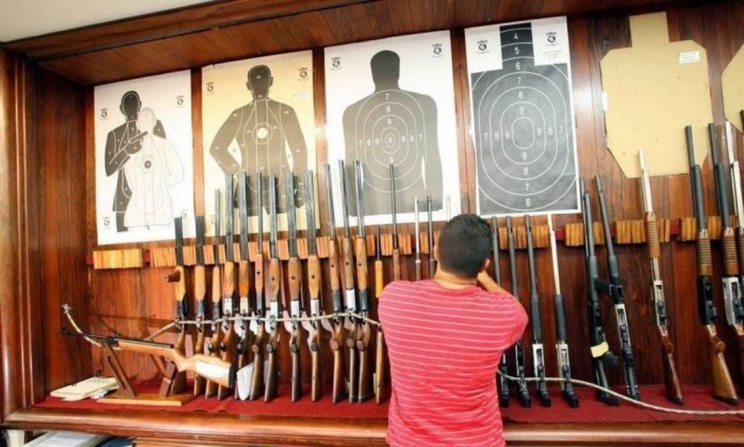 Loja de armas em Niterói, no Rio de Janeiro Foto: Fernando Quevedo/Agência O Globo