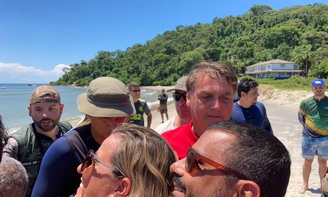 O presidente Jair Bolsonaro em São Francisco do Sul (SC) nesta segunda-feira (15) Foto: Carol Macário / O Globo