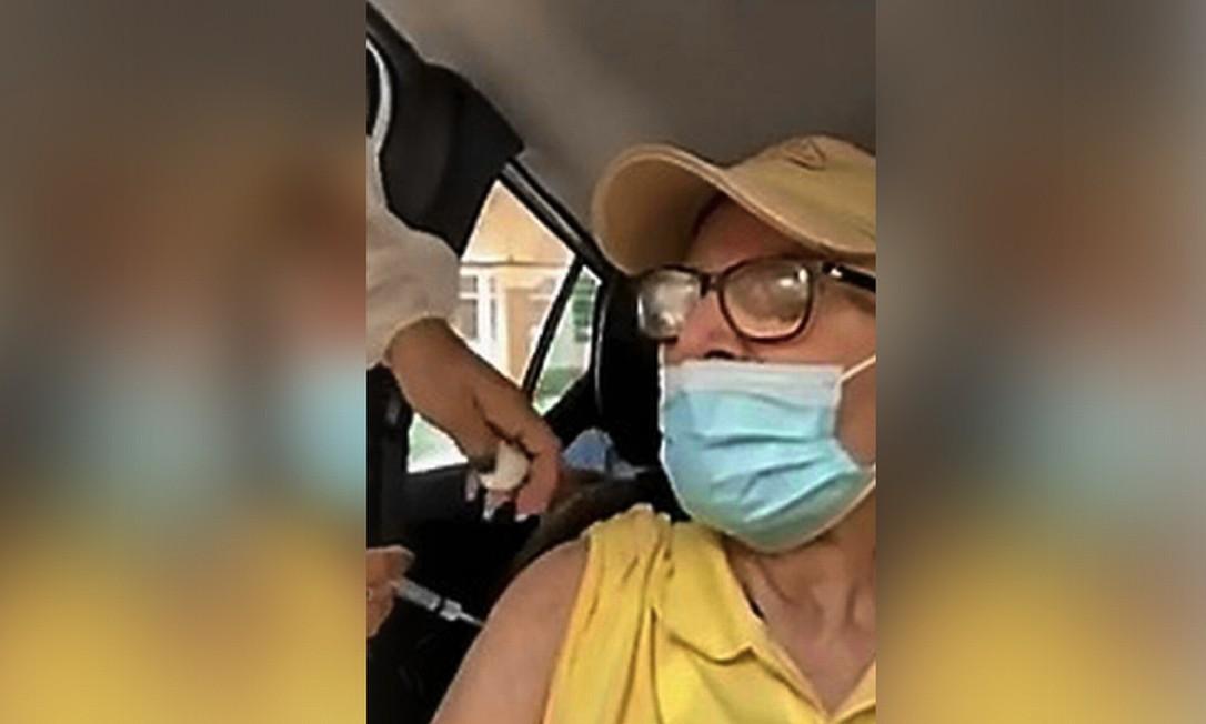 Idoso de 90 anos recebeu uma agulhada sem imunizante em Niterói Foto: Reprodução