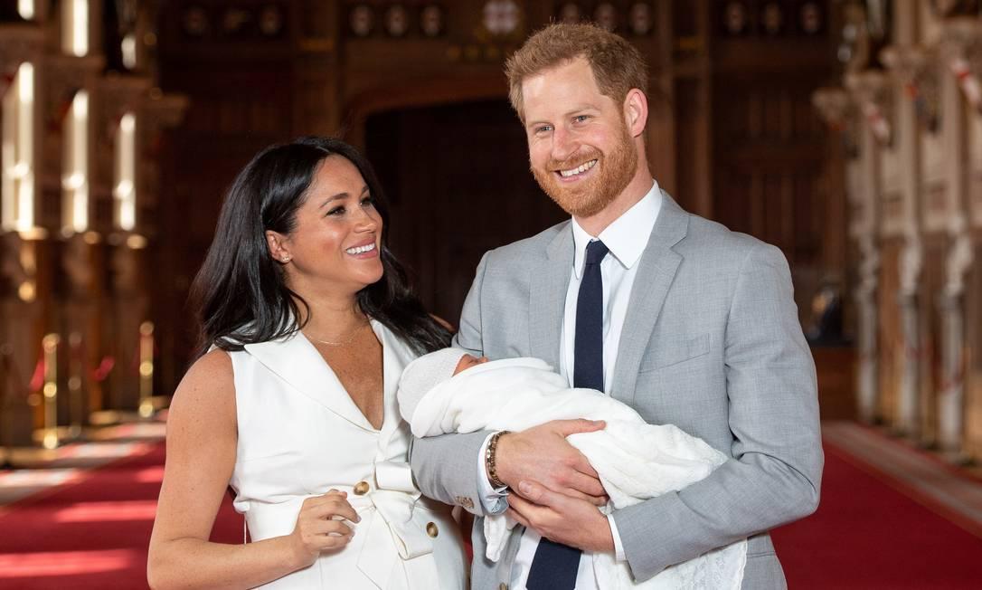 Harry e Meghan com o primeiro filho, Archie, em maio de 2019; ela espera outro bebê Foto: Dominic Lipinski / Reuters/8-5-2019