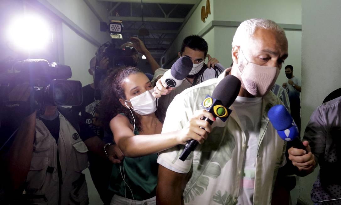 O cantor Belo, após ser preso Foto: Domingos Peixoto / Agência O Globo / 17-02-2021