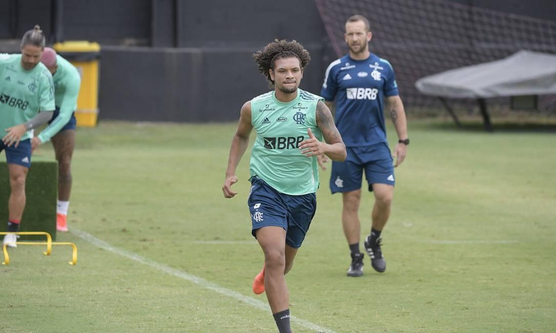 Arão em treino do Flamengo Foto: Divulgação