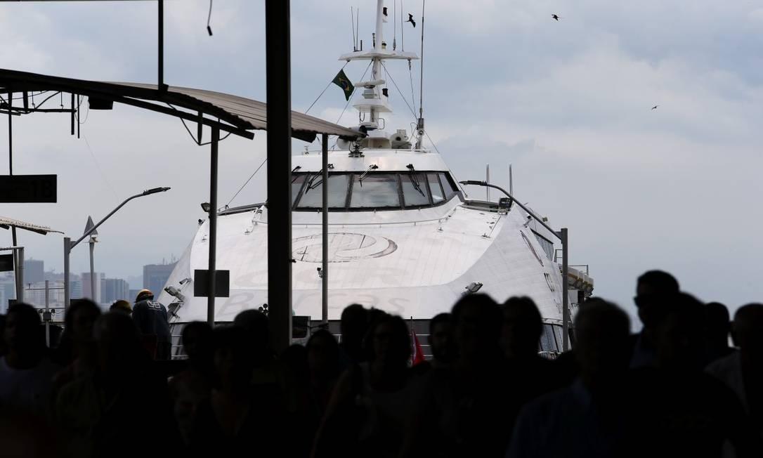 Barcas que fazem a travessia Rio-Niterói terão novos intervalos nos horários de maior movimentação Foto: Pedro Teixeira / Agência O Globo