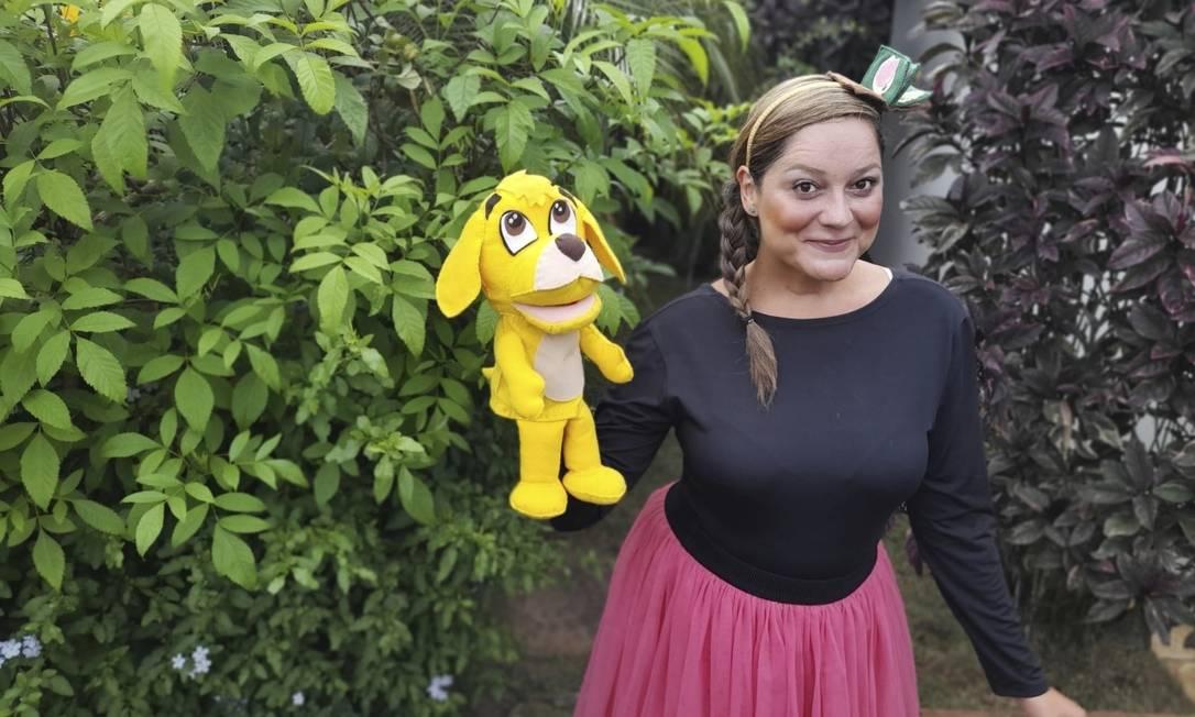 Lúdico. Mariana e o Cãozinho Amarelo: personagem nasceu na pandemia e teve que aprender a sobreviver Foto: Divulgação