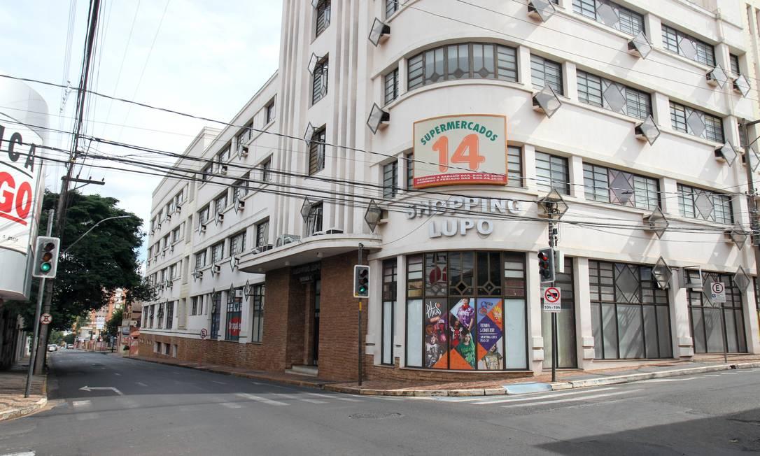 Araraquara, que já estava em lockdown, endureceu as regras por 60 horas Foto: Código 19/ Luciano Claudino / Agência O Globo