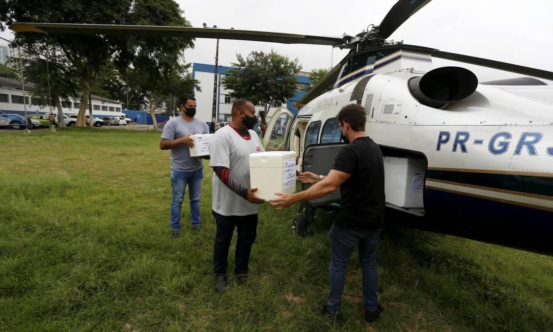 Governo do Estado distribui vacinas CoronaVac para 88 Municipios do Rio de Janeiro Foto: FABIANO ROCHA / Agência O Globo