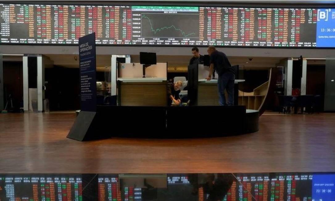 Analistas esperam forte queda das ações da Petrobras na Bolsa nesta segunda Foto: Reuters