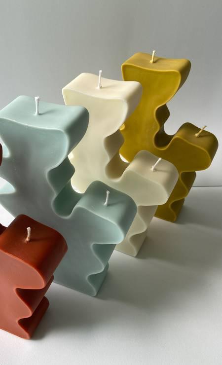 As velas em formato de coral da marca CBNT, de Luíza Baggenstoss Foto: Reprodução