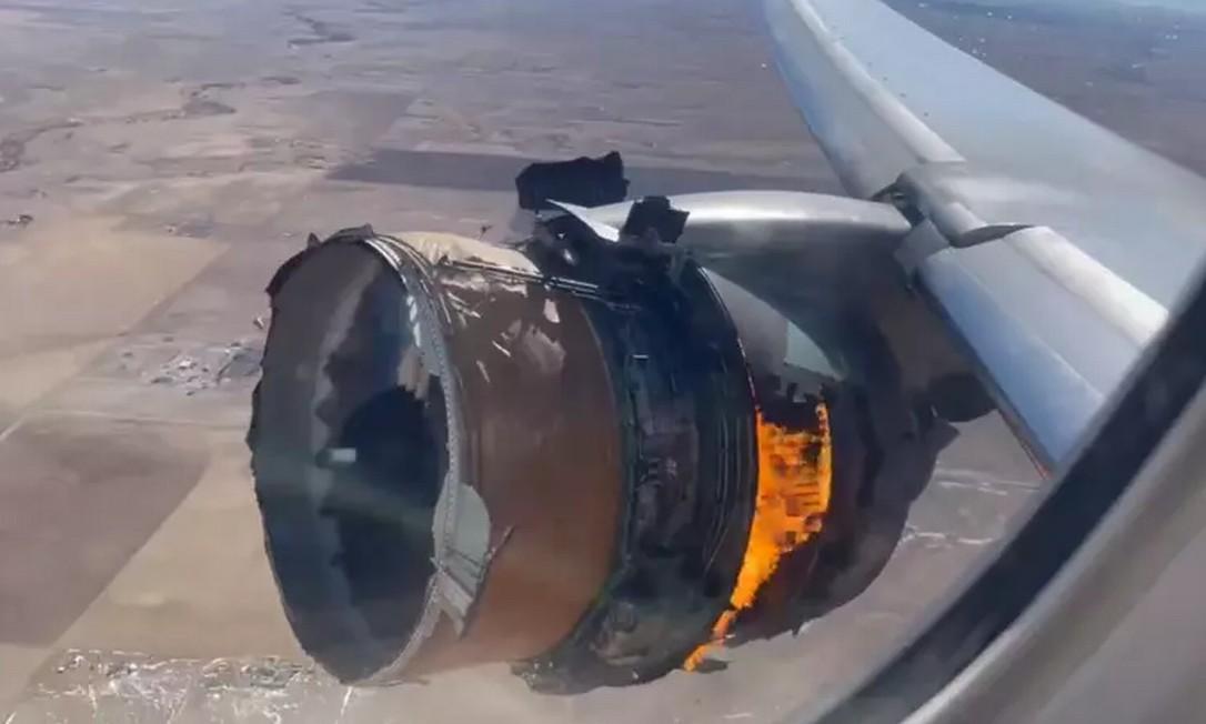 Motor de Boeing 777 pegou fogo durante voo com destino ao Havaí Foto: Reprodução