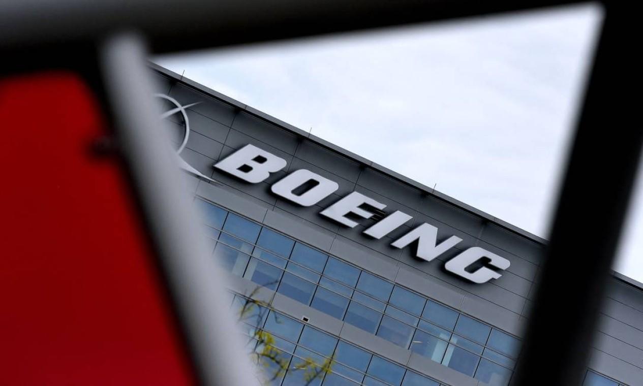 Sede regional da Boeing é em Arlington, Virgínia. Administração Federal de Aviação dos Estados Unidos ordenou inspeções extras em alguns jatos de passageiros Boeing 777, depois que um voo da United Airlines sofreu falha de motor Foto: OLIVIER DOULIERY / AFP