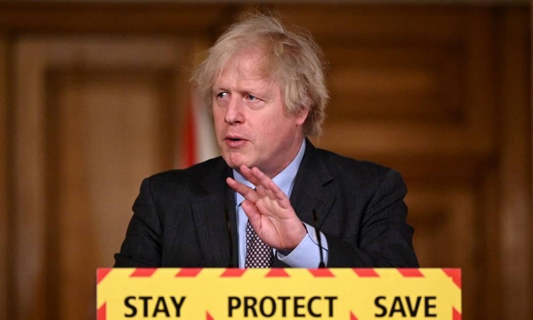 Primeiro-ministro do Reino Unido, Boris Johnson, participa de uma conferência de imprensa virtual no centro de Londres, nesta segunda-feira, depois de ter estabelecido o roteiro do governo para a saída da quarentena. Foto: LEON NEAL / AFP
