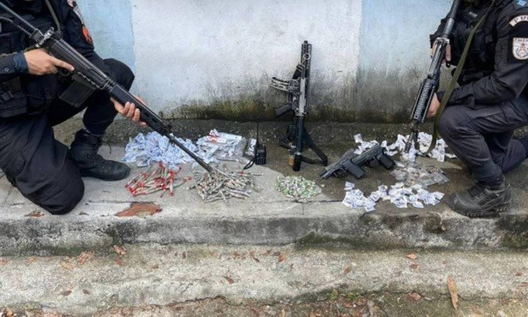 Material apreendido pela PM no Morro do Urubu Foto: Divulgação / Polícia Militar